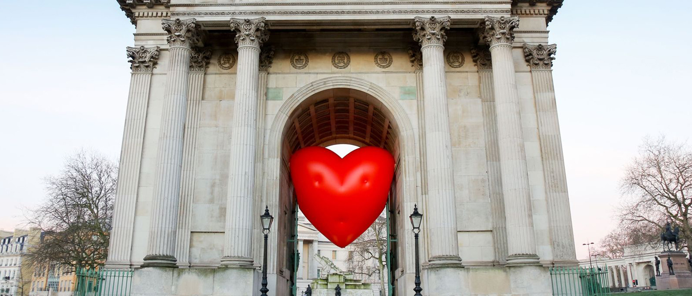 Anya Hindmarch Chubby Heart at Wellington Arch, on Hyde Park Corner, London