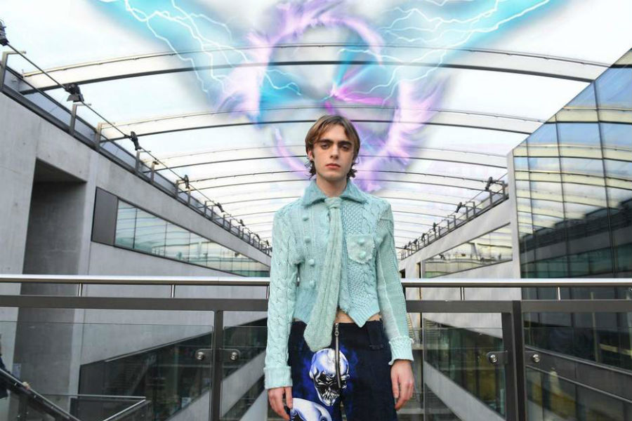 Central Saint Martins 5G mixed reality fashion show